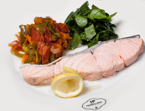 Красная рыба на пару в медово-горчичном соусе и салат из корня сельдерея